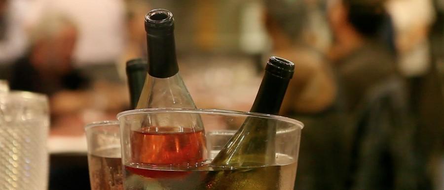 Que tal um copo de vinho?